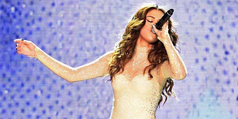Selena Gomez Sparkles in 100.000 Swarovski Crystals Onstage